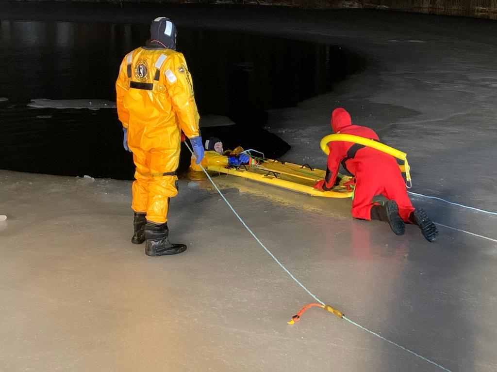 BIFD ice rescue drill.